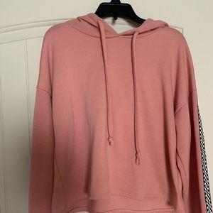 Tops - cropped pink hoodie